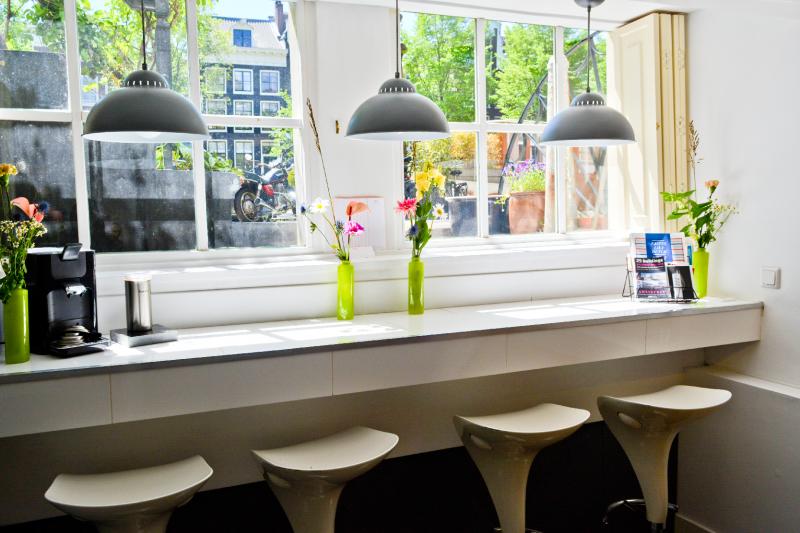 2021-06-01-prinsengracht-969-front-bar-windowDSC_2665