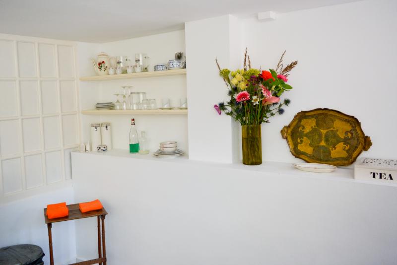 2021-06-01-prinsengracht-969-kitchen-shelves-DSC_2685-2