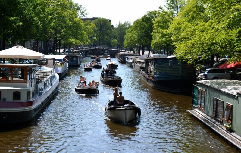 Haagse Maarten bezoekt Amsterdam