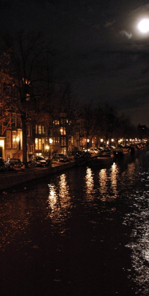 969 moon over prinsengracht