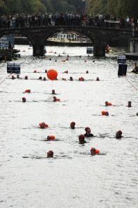 Now we swim in the canals. Amsterdam City Swim Kids'14
